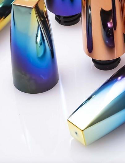 Iridescence-Metallized-lipstick-capsule-iridescent-effect