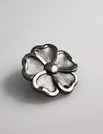 Metallization-Gun-barrel-grey-metallized-fashion-accessories