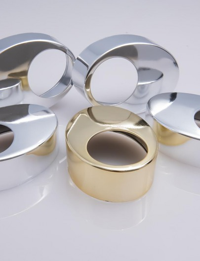 Metallization-Metallized-cosmetic-accessories-water-resistant